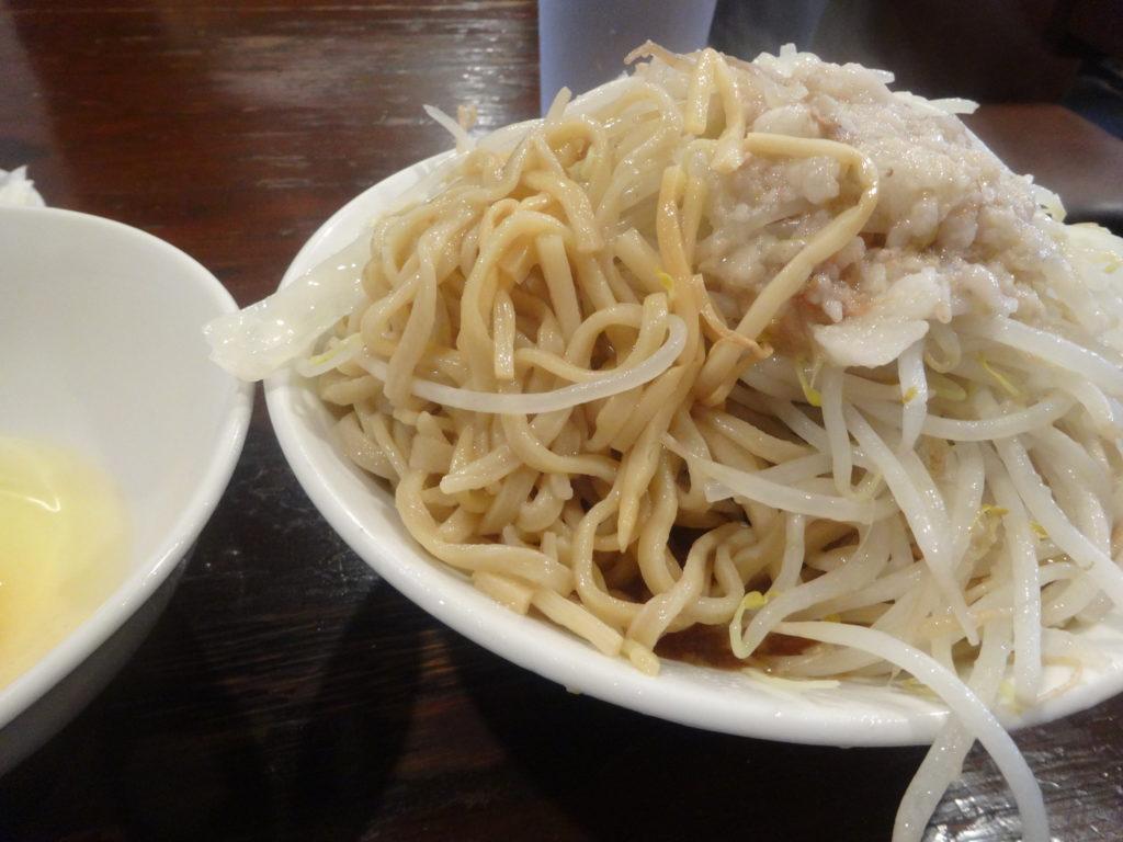 凛 渋谷 スープなし醤油の麺