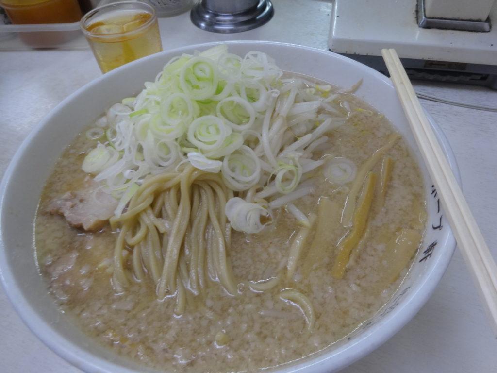 ホープ軒 ラーメンの麺