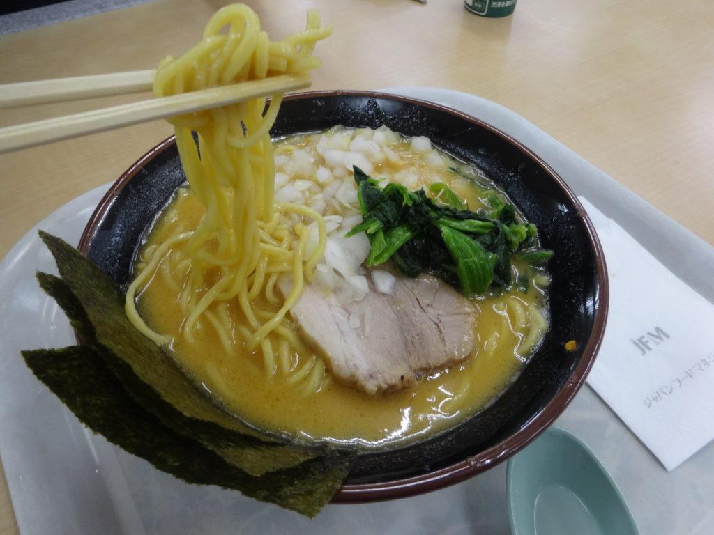 九ツ家@高坂サービスエリア 味噌豚骨 麺