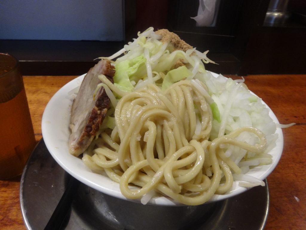豚とこむぎ@五反田 ラーメンの麺