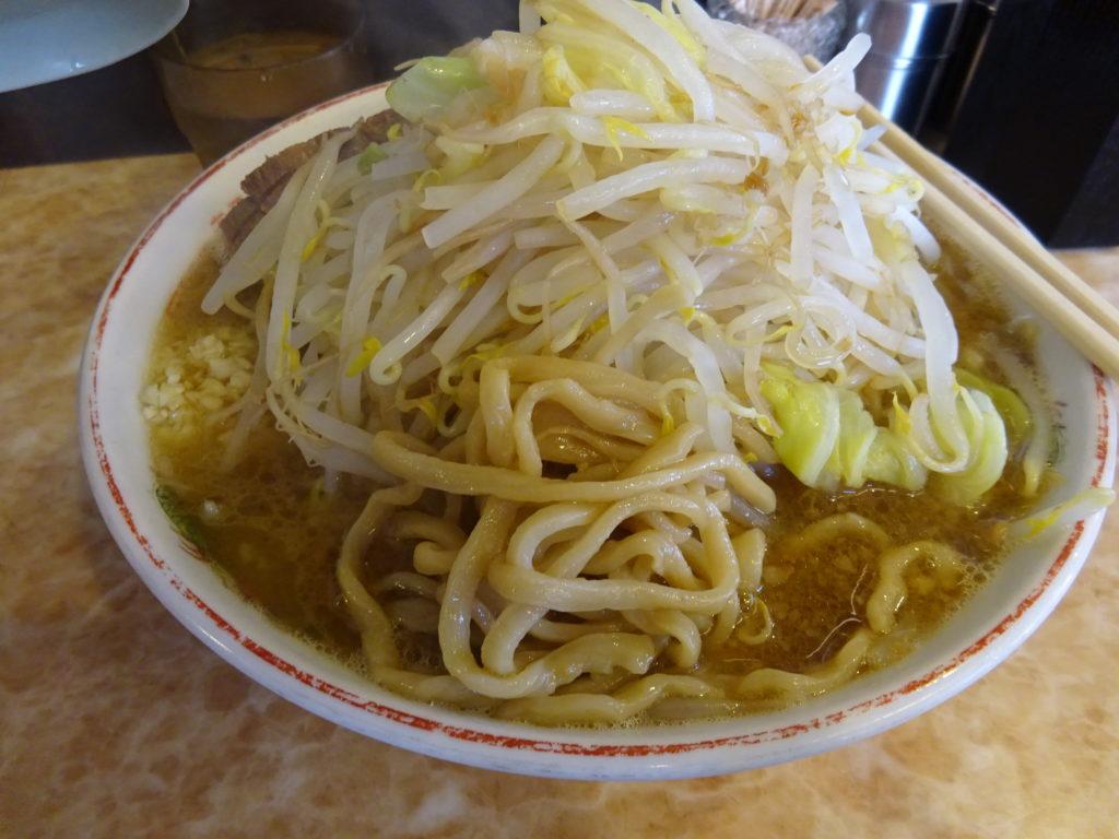 肉汁らーめん 公の麺