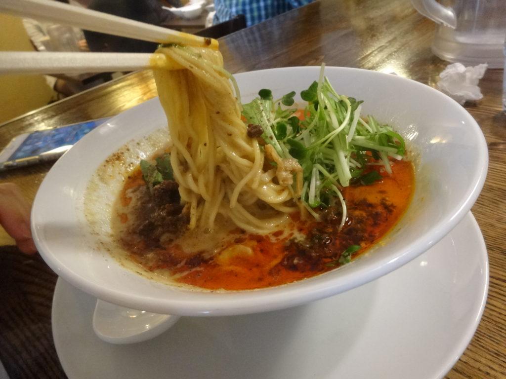 四川担担麺 阿吽@湯島 担担麺の麺