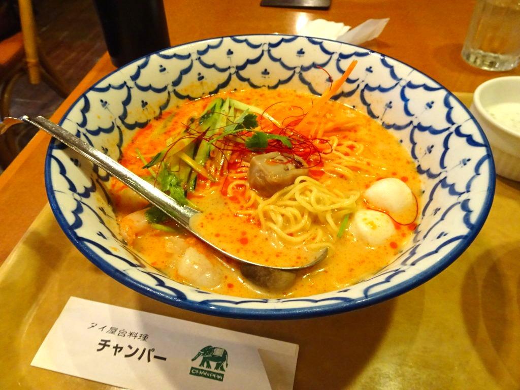 トムヤムクン冷麺の麺