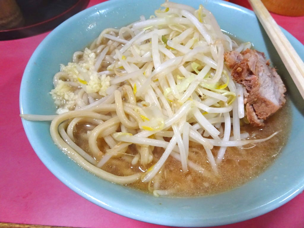 歌舞伎町二郎の麺