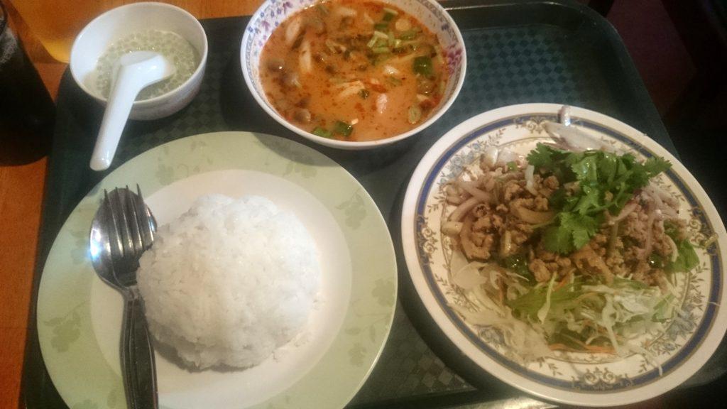 タイ居酒屋 トンタイ 本店のランチの鳥挽肉のスパイシーサラダ ラープガイ