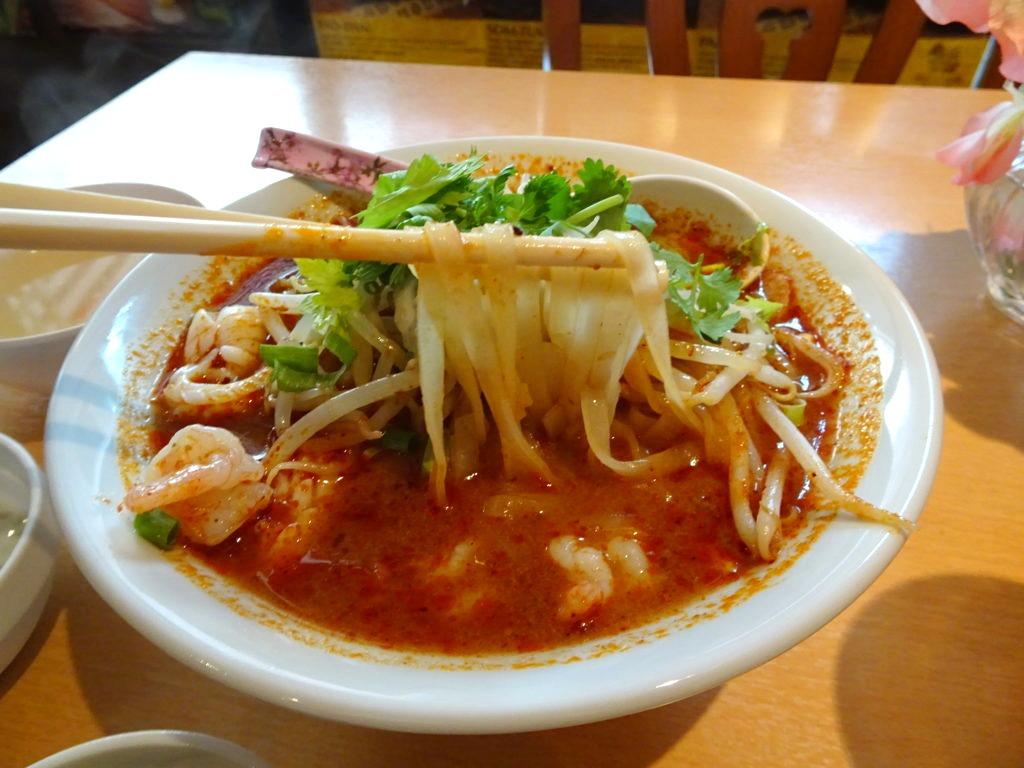トムヤムラーメンの麺