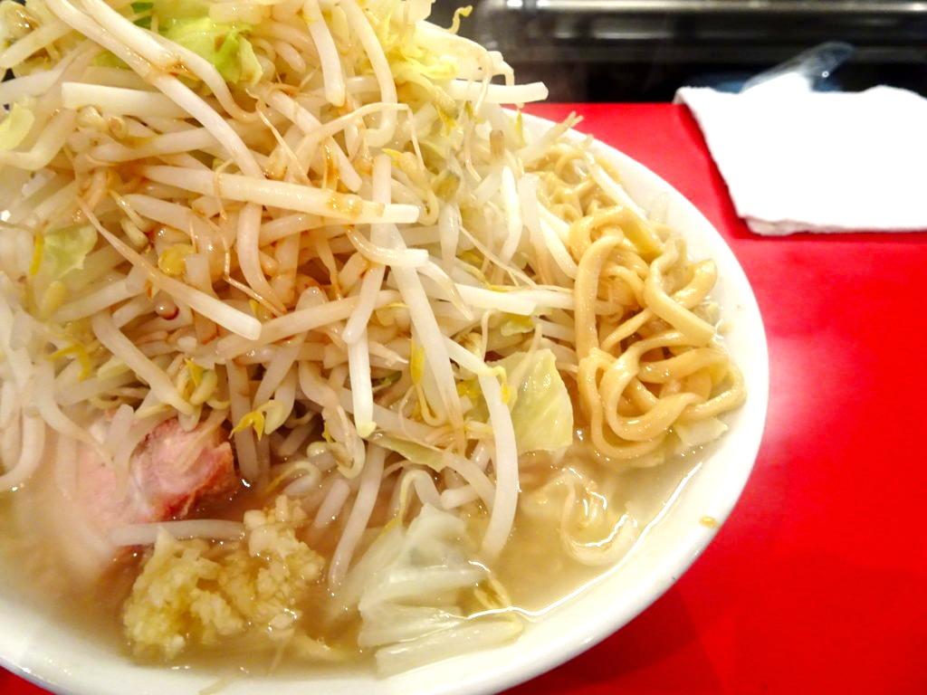 らーめん 526 (こじろう)の麺