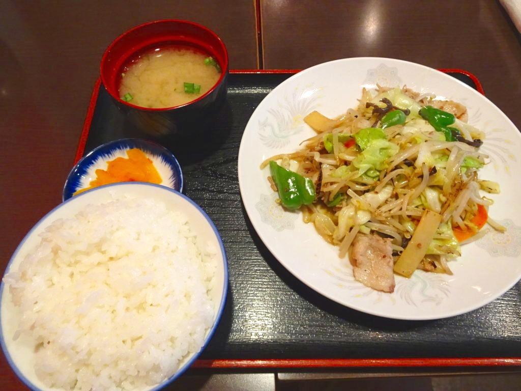 肉野菜炒めとご飯セット