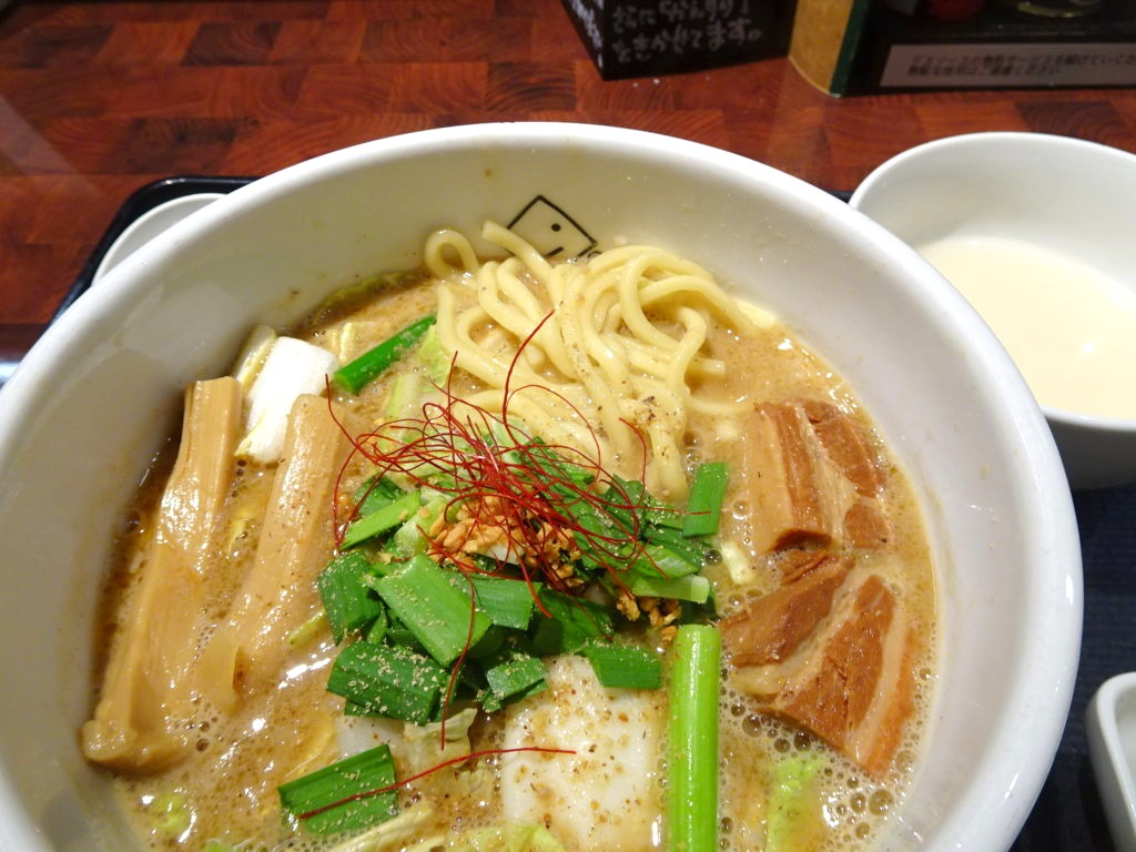 濃厚味噌の麺