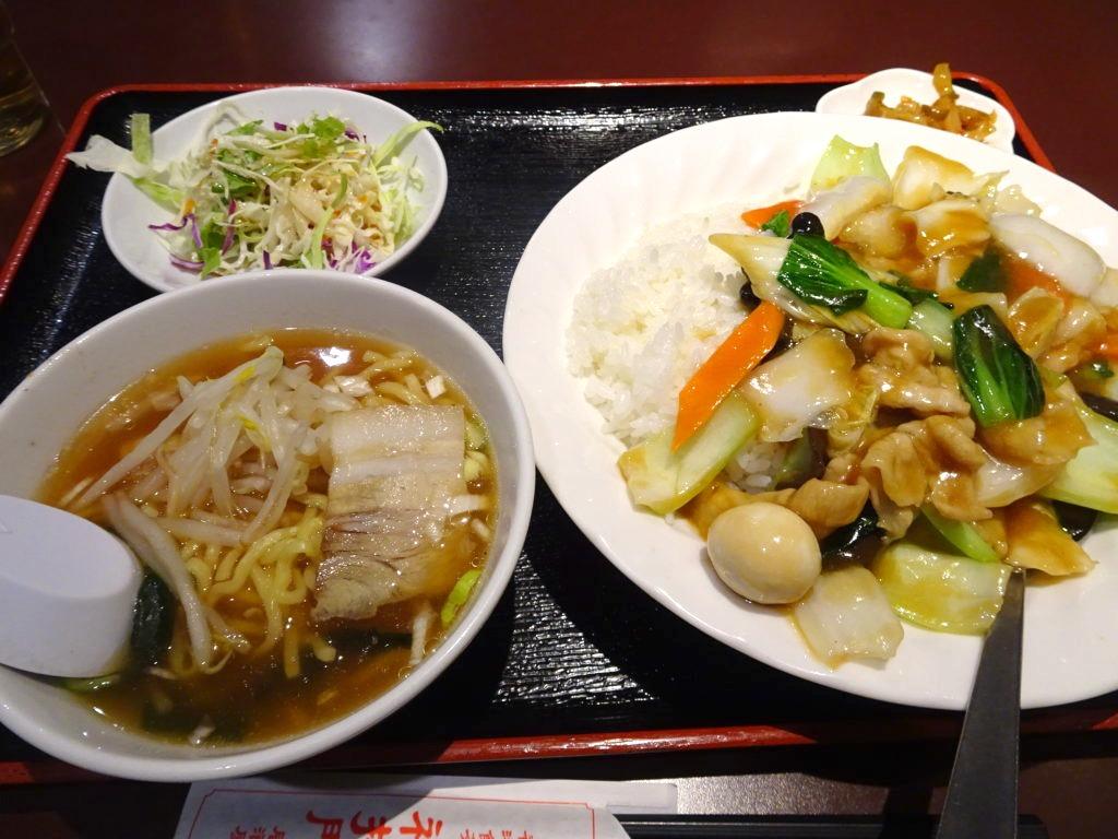 福招門の中華丼とラーメン
