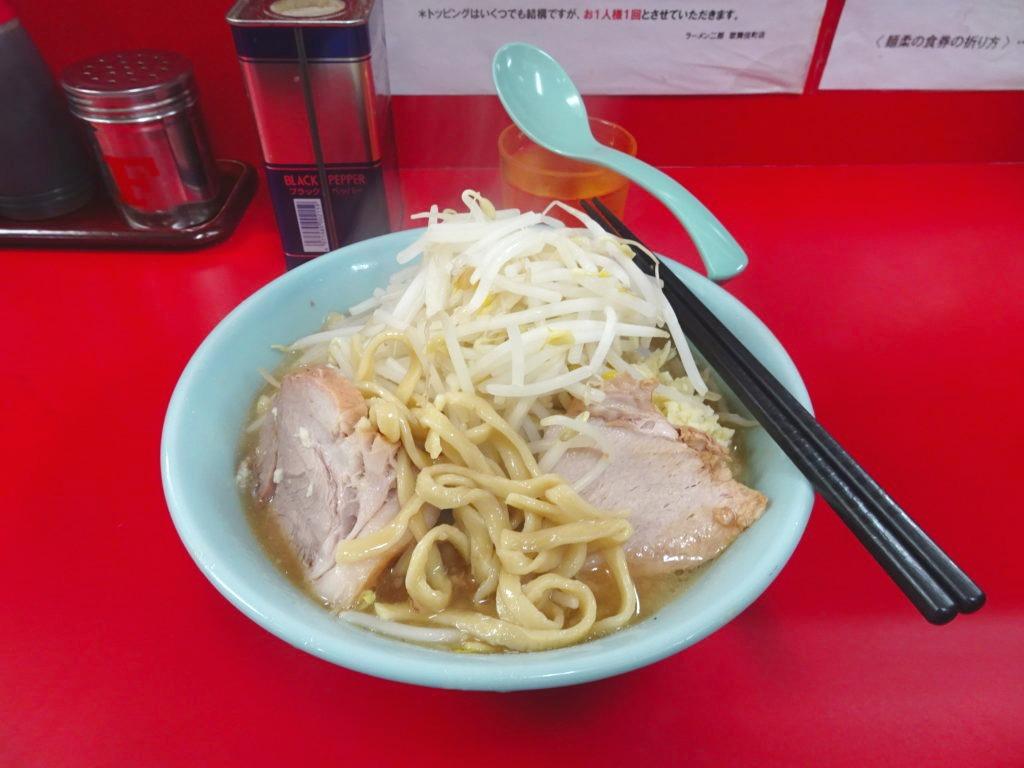 ラーメン二郎 新宿歌舞伎町店のラーメンの麺