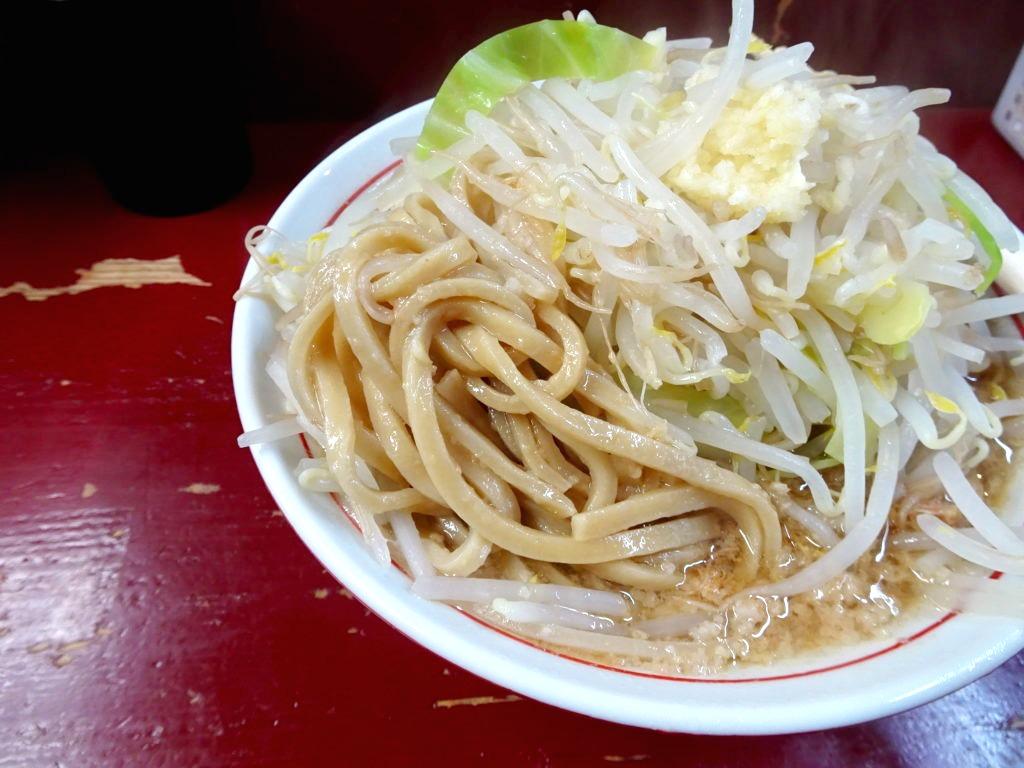 二郎系RA-MEN ICHI の麺