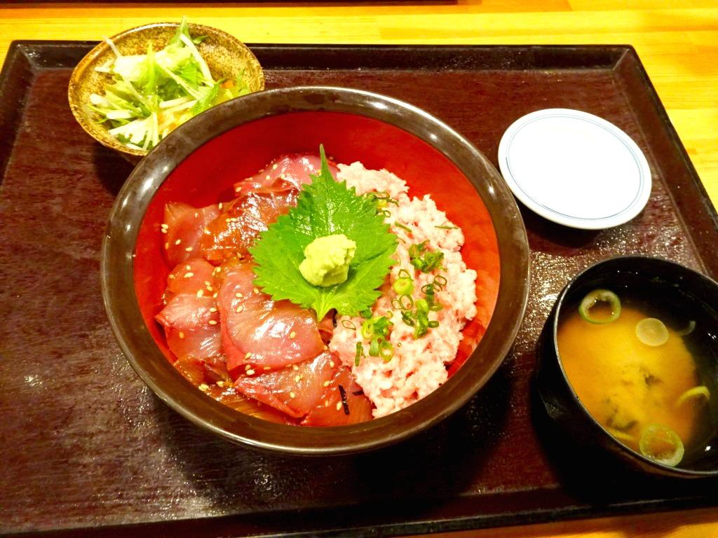 漁業部 ブリネギロト丼