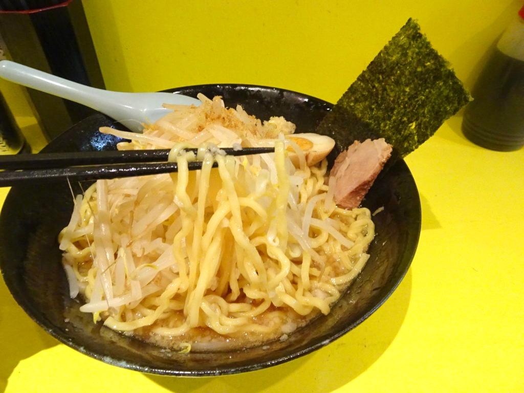 佐藤製麺処 ラーメン(醤油)の麺