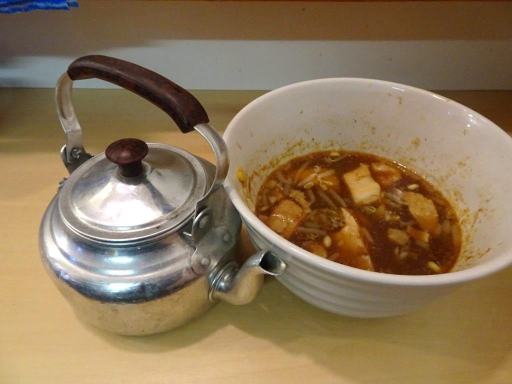 影武者 割スープのヤカン