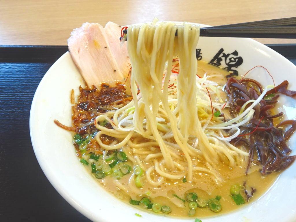 吟上らーめん(醤油)の麺