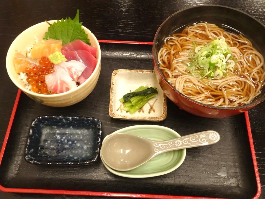 海鮮丼セット(温そば)