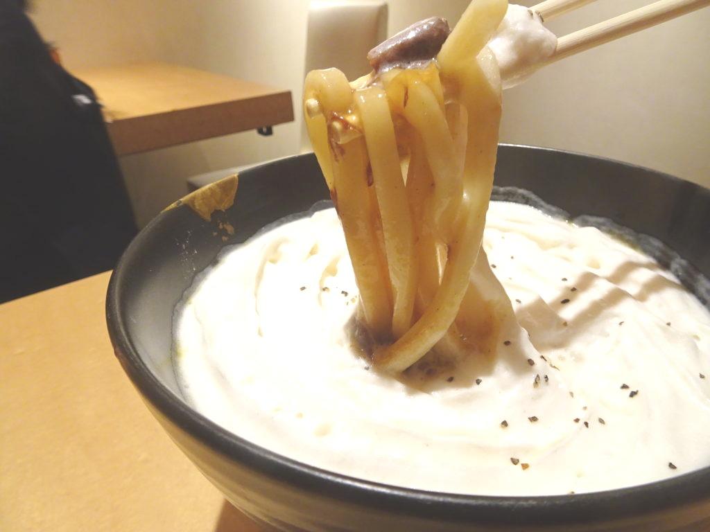 初代の白いカレーうどんの麺