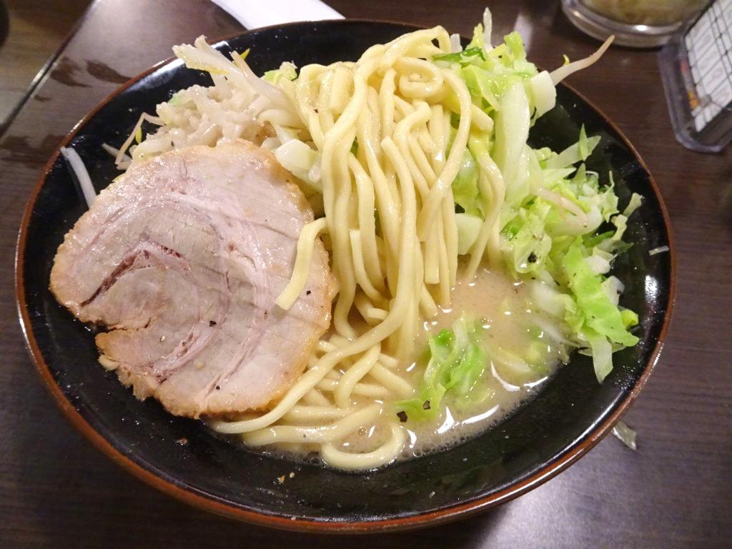塩壱郎ラーメンの麺