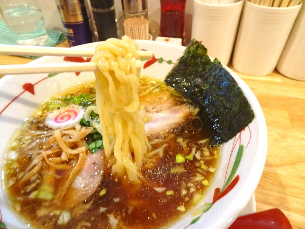 らーめん天神下 大喜 醤油ラーメンの麺