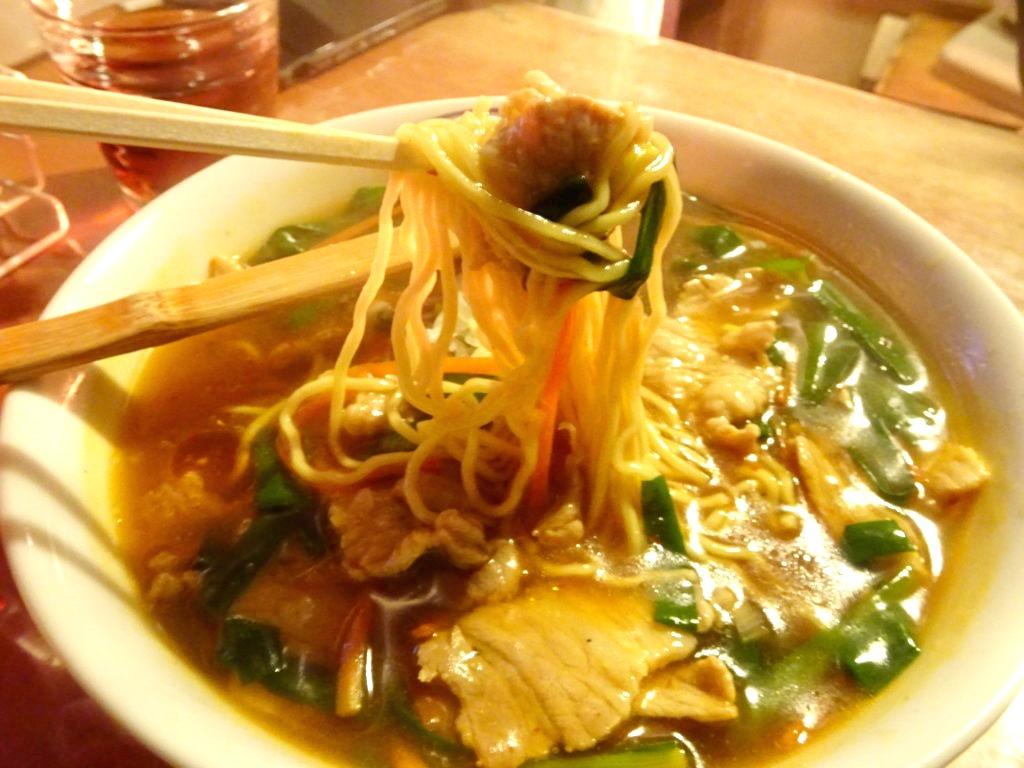 肉ニラあんかけ麺の麺