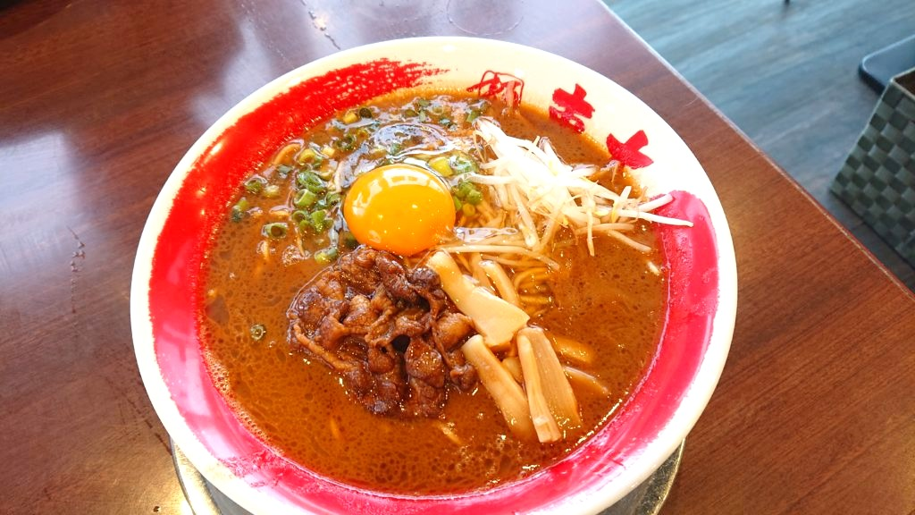 徳島産黒醤油 醤油とんこつラーメン 中 生卵入り