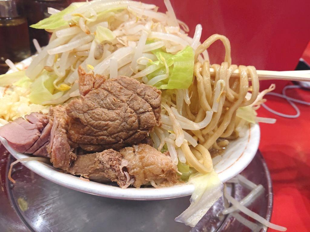 ラーメン タロー 五反田の陣 小ラーメンの麺