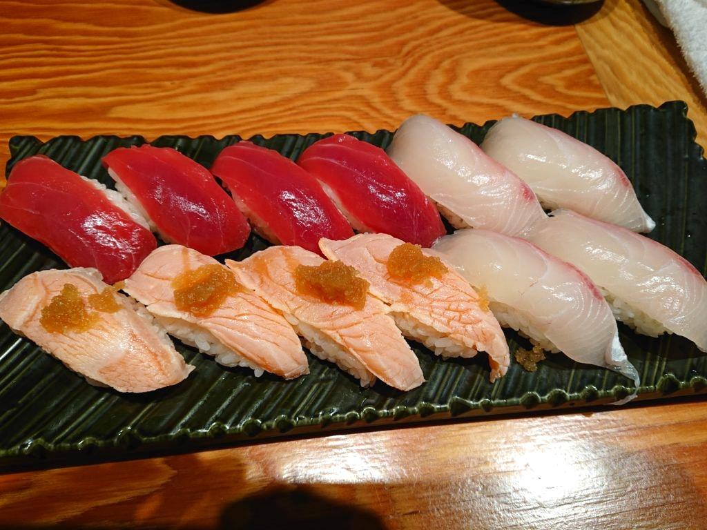 スタートのお寿司