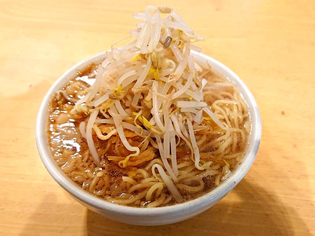 目黒二郎テイクアウト3日目のラーメン 野菜マシ