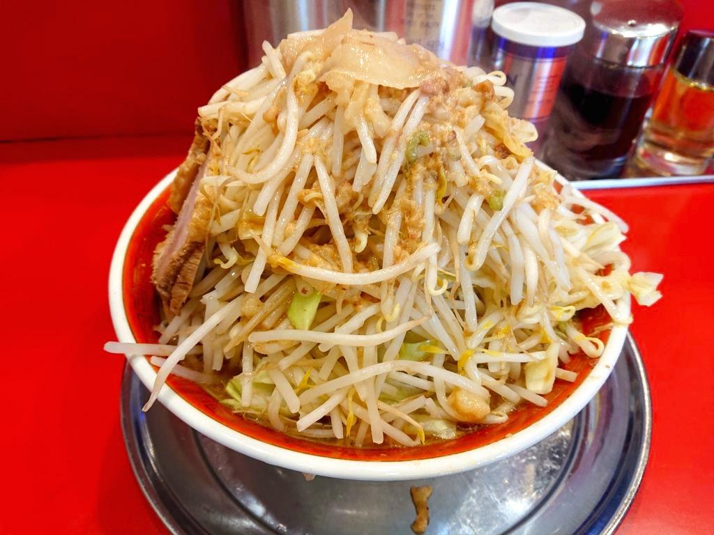 ラーメン タロー 五反田の陣 大ラーメン 野菜マシマシ、ニンニク少なめ、アブラ、からめ
