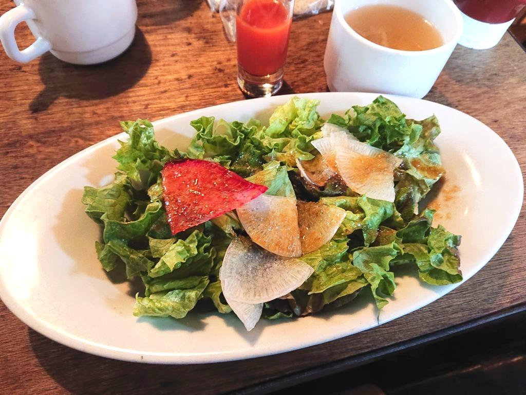 サラダとスープと一口野菜ジュース