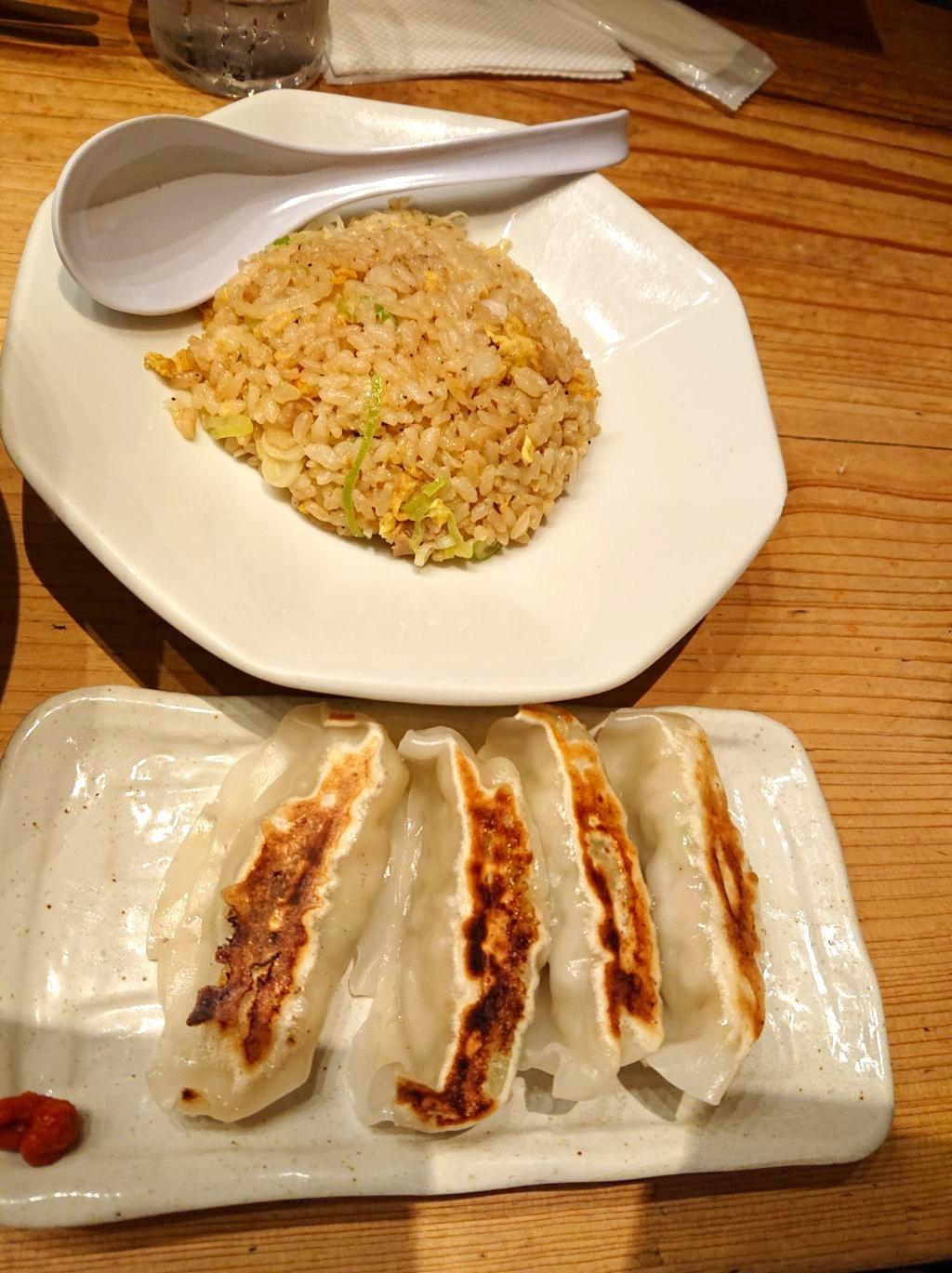 C:半チャーハン+焼き餃子セット