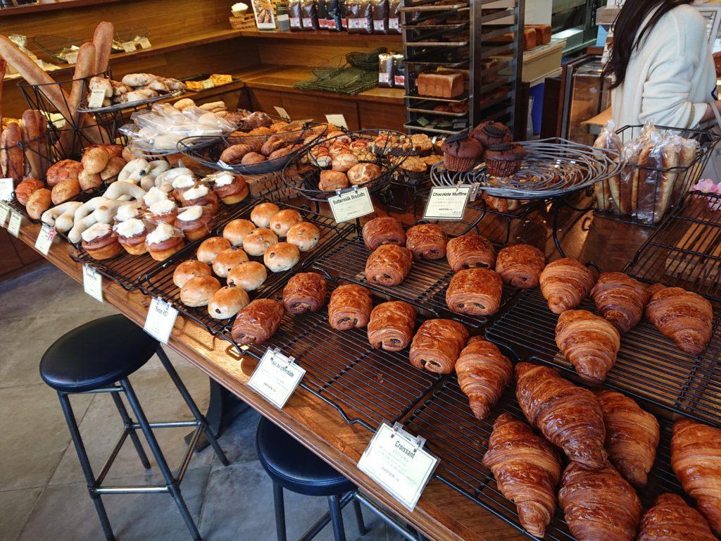 クロスロード ベーカリー 恵比寿本店 (Crossroad bakery) 食べ放題のパン2