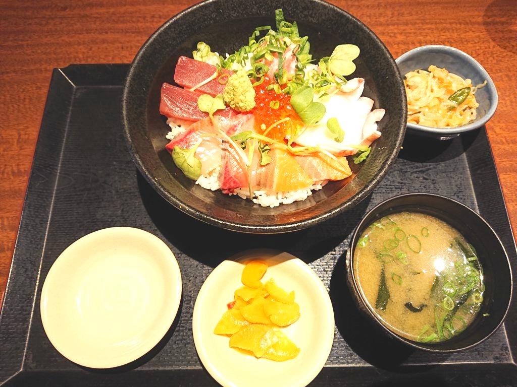 北海道 新宿新宿東口店 海鮮丼