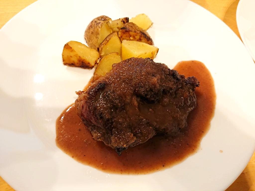 牛ハラミのステーキ ソースシャリアピン1
