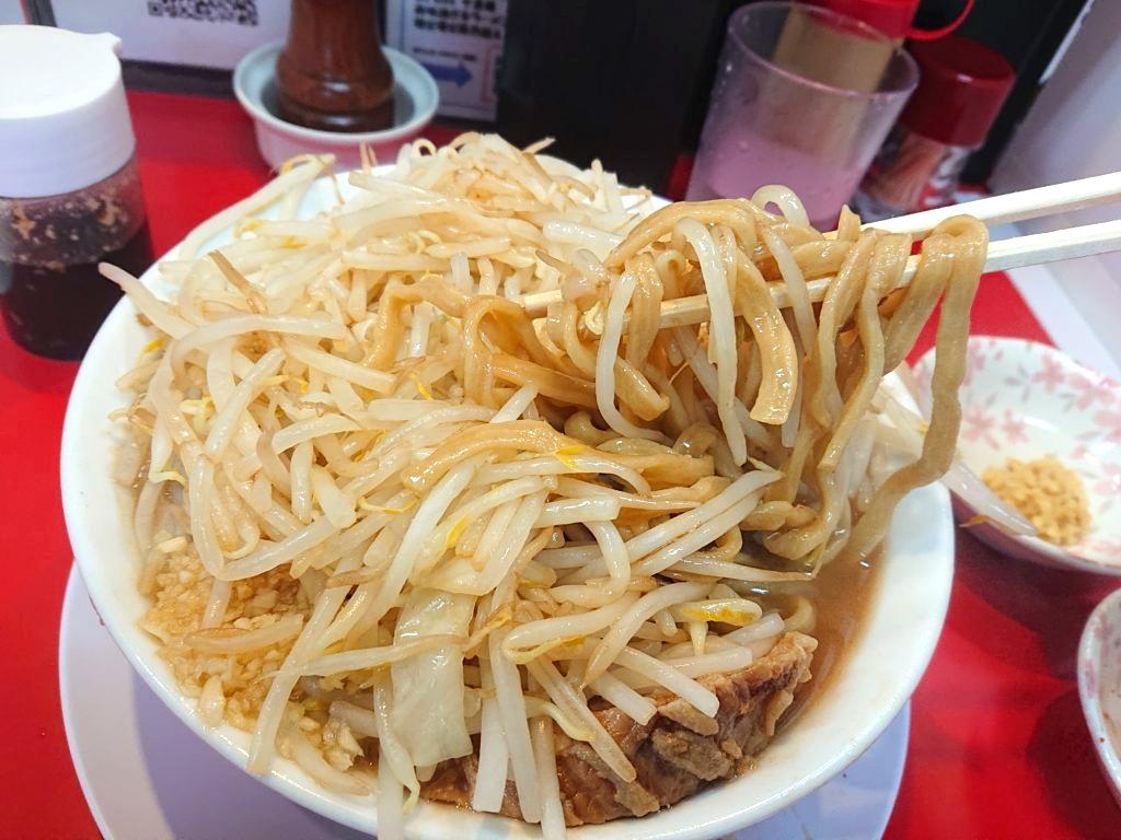 千里眼 (センリガン)の麺