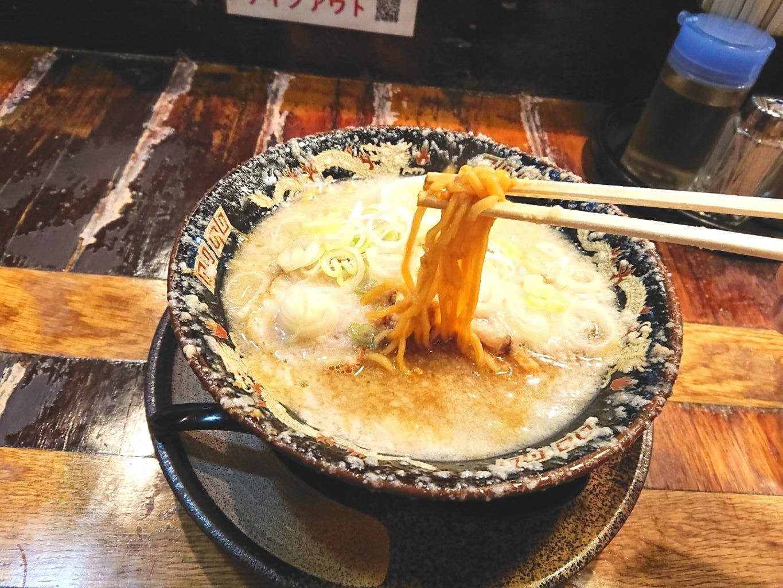 平太周 味庵 (ヒラタイシュウアジアン)のラーメン麺