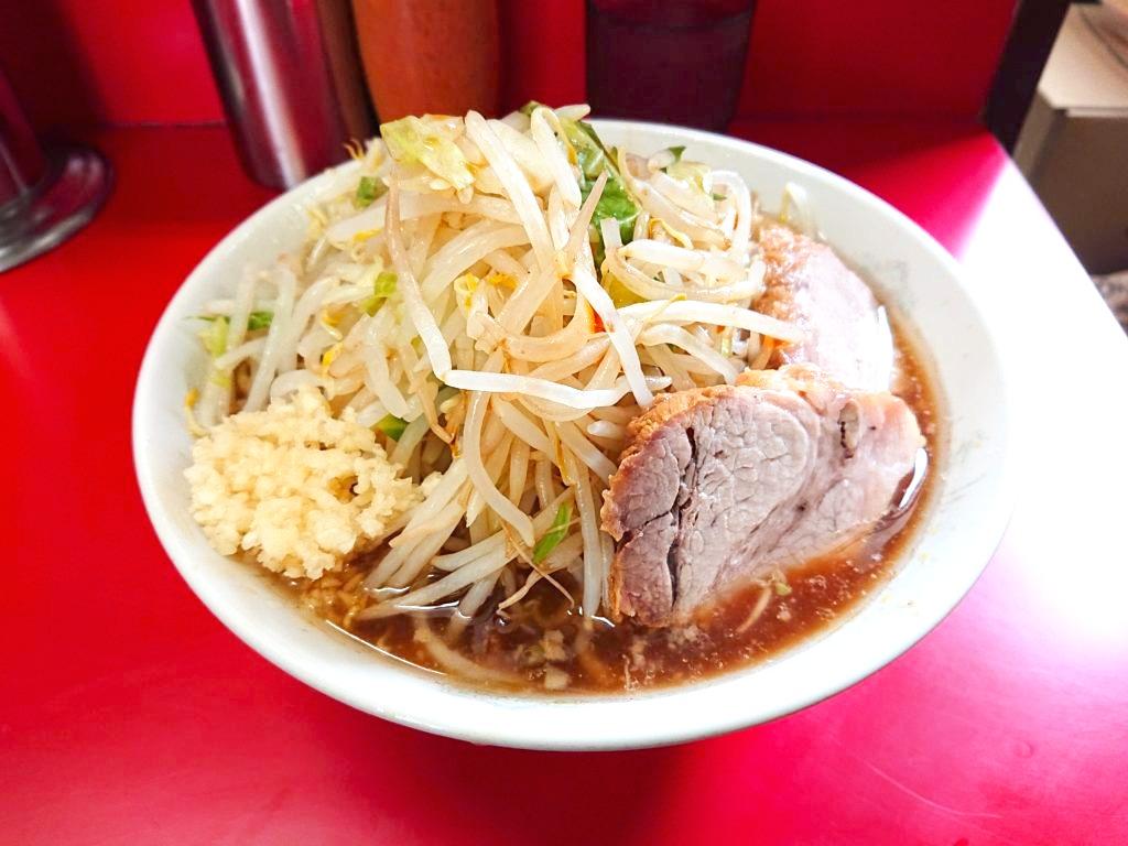 ラーメン二郎 上野毛店 小ラーメン 野菜マシ、ニンニク、カラメ