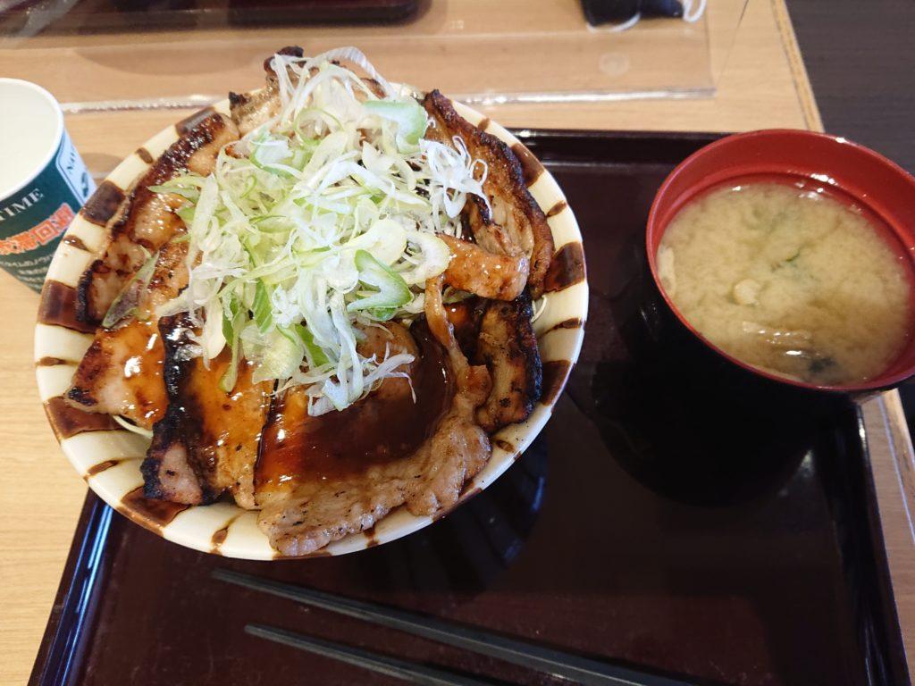 溶岩焼きロース・バラ豚丼 1,210円