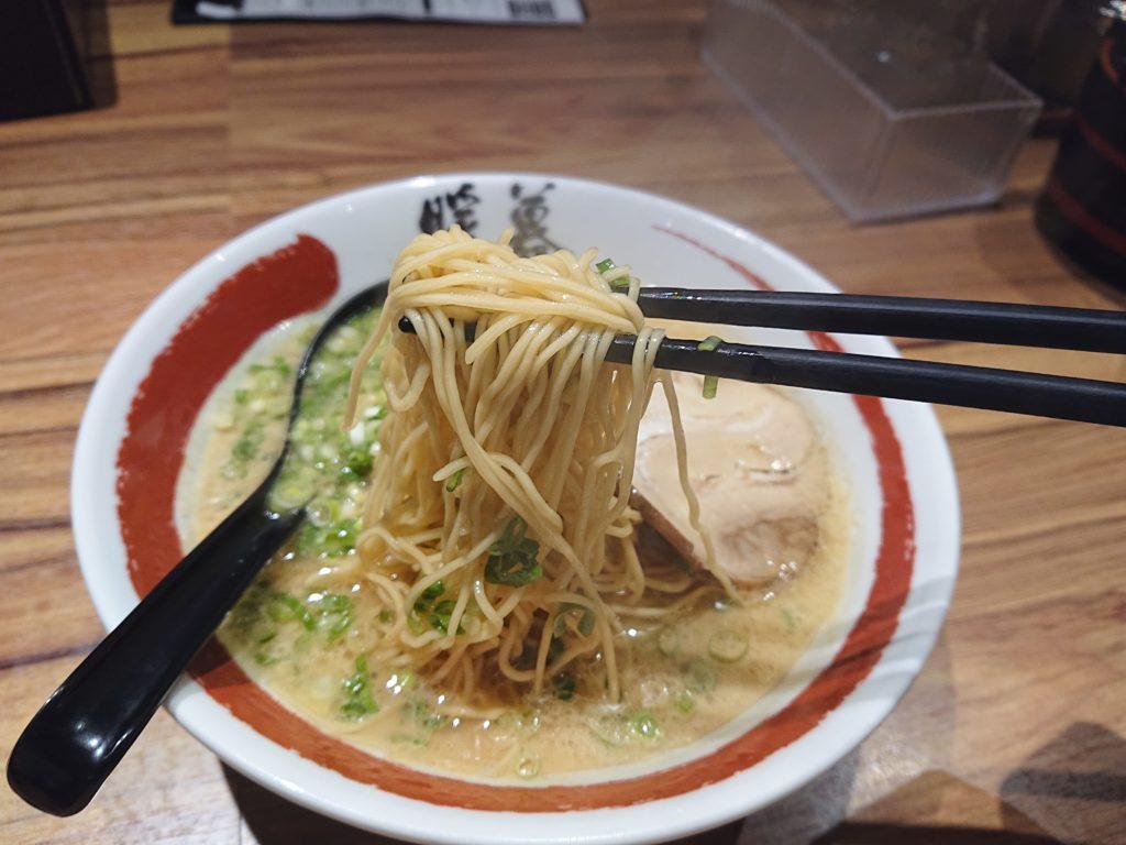 ラーメン暖暮 恵比寿南店 (ダンボ)のラーメンの麺
