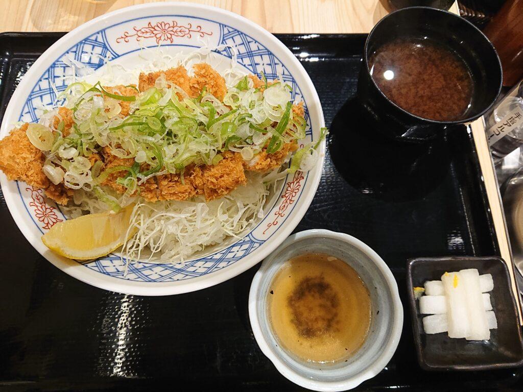 とんかつ まるや 神谷町店 ねぎ塩カツ丼