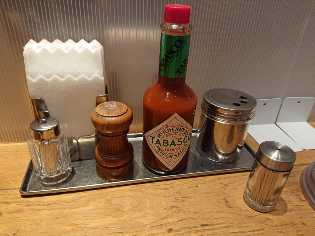 焼きスパゲッチ ミスターハングリー 卓上の調味料