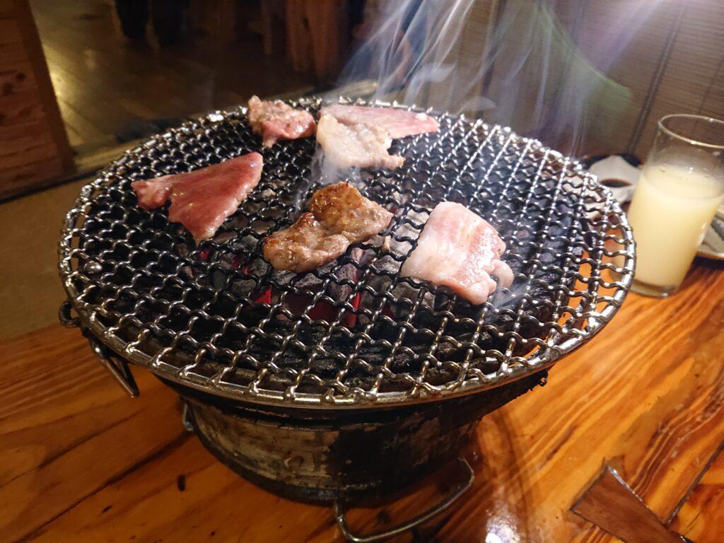 満味 (まんみ) 七輪のお肉