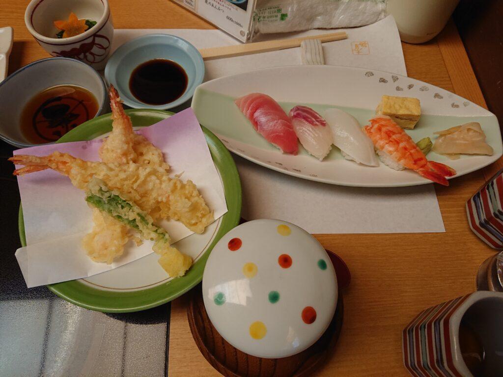 はセットのお寿司と天ぷら