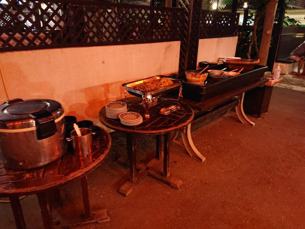 琉球の風 南風屋台村 BBQのビュッフェ