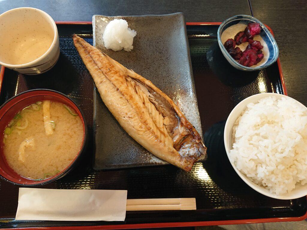 串特急 神谷町店 (くしとっきゅう) ば塩焼き定食 750円