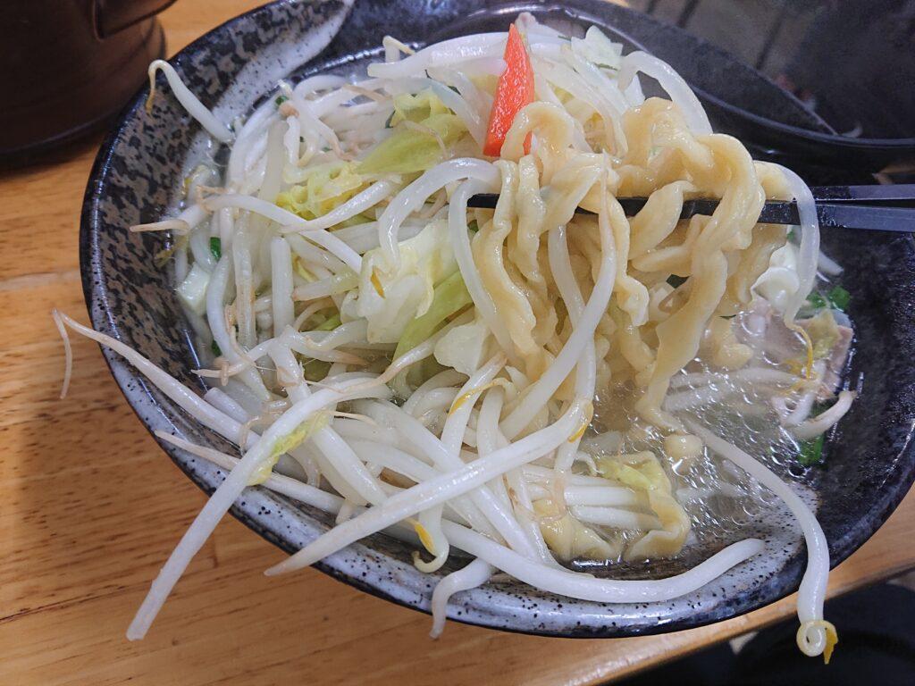 タンメンしゃきしゃき 新橋店 タンメンの麺