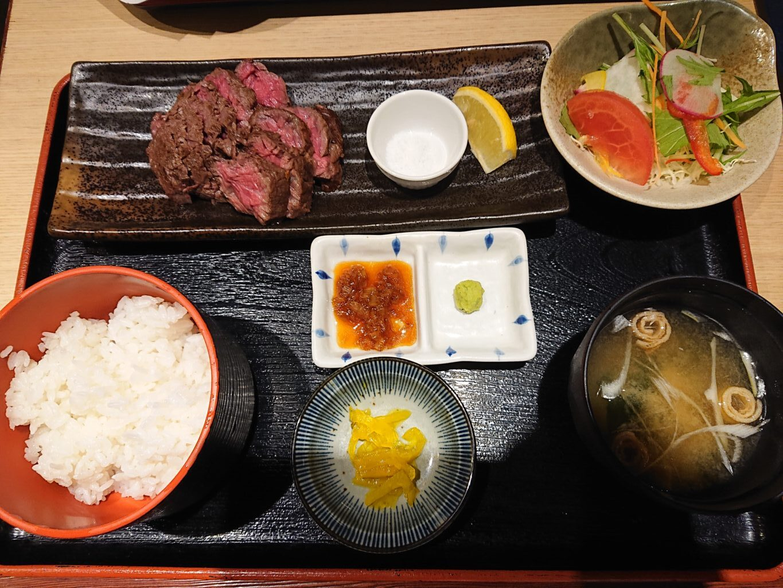 牛さがりのステーキご膳 1,000円