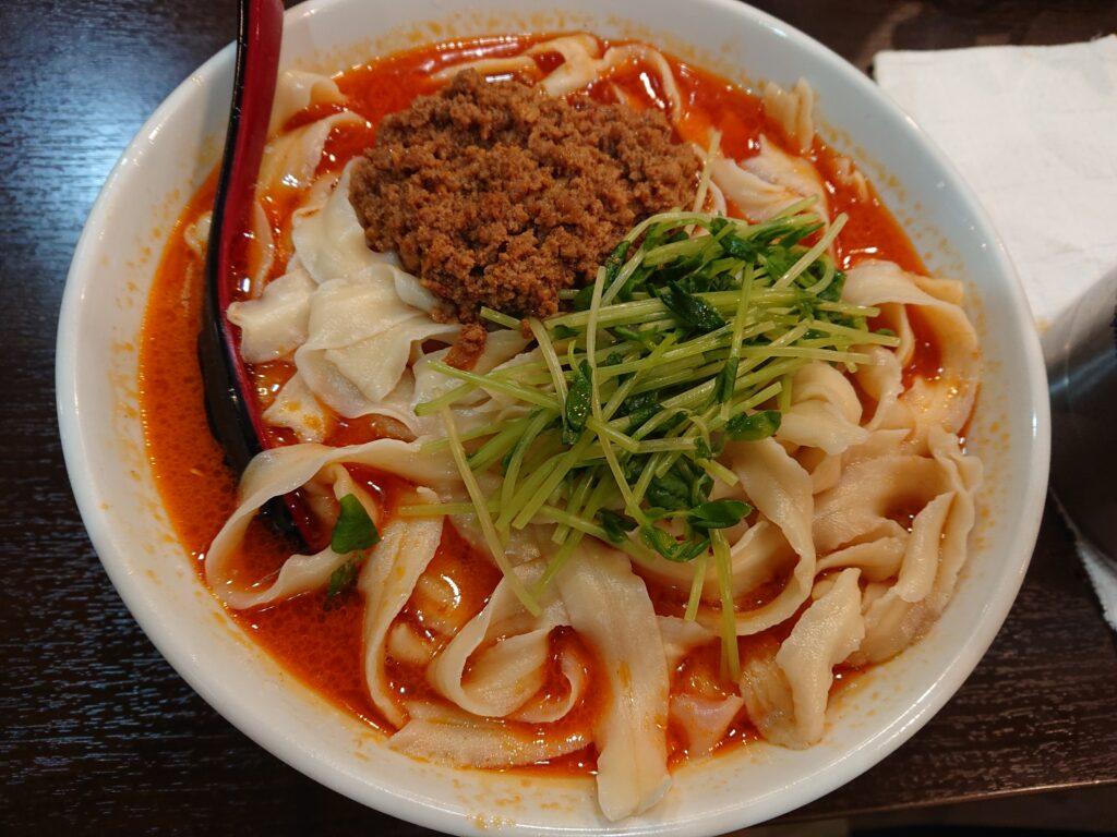 味覚 坦々刀削麺 750円