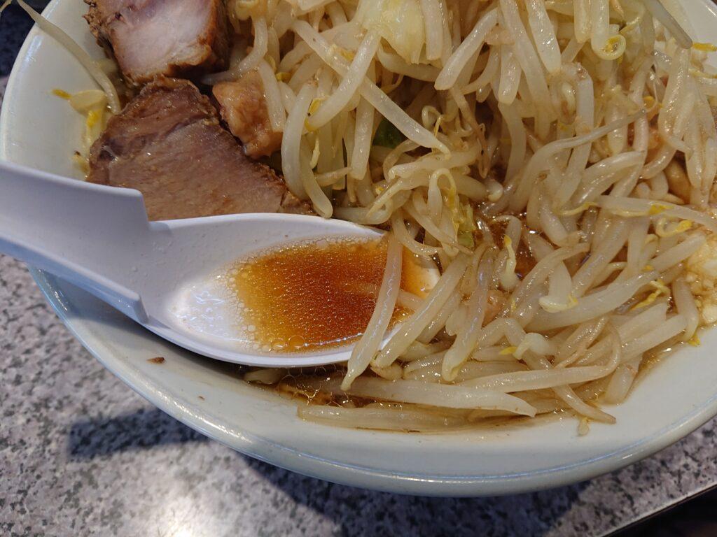 ラーメン 宮郎 (ラーメン ミヤロウ) ラーメンの非乳化スープ